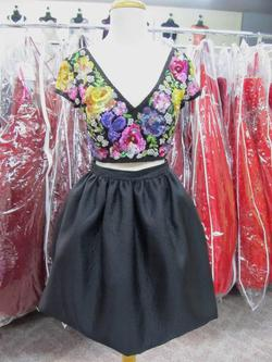 Style 50829 Sherri Hill Multicolor Size 4 Mini Tall Height V Neck Cocktail Dress on Queenly