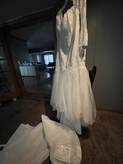 David's Bridal White Size 18 Sleeves Wedding Mermaid Dress on Queenly