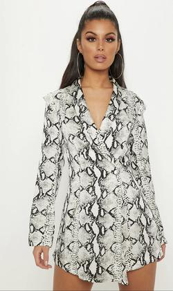 PrettyLittleThing White Size 8 Suit Print Blazer Jumpsuit Dress on Queenly