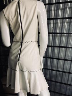 Kobi Halbern White Size 2 Straight Train Dress on Queenly