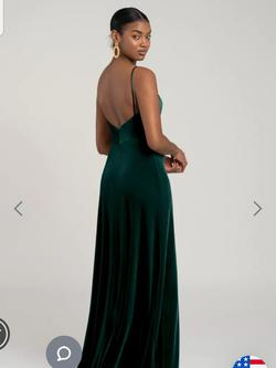 Jenny yoo  Green Size 16 Bridesmaid Velvet Cocktail Dress on Queenly