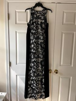 Style BL2888 Belle Badgely Mischka Black Size 10 Straight Dress on Queenly