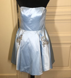 Sherri Hill Blue Size 4 Straight Cocktail Dress on Queenly
