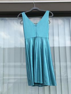 Ashley Lauren Blue Size 2 A-line Flare Homecoming Cocktail Dress on Queenly