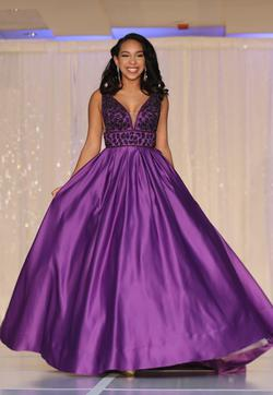 Style 7802 Vienna Purple Size 0 Pageant Ball gown on Queenly