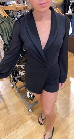 Black Size 0 Jumpsuit Dress on Queenly