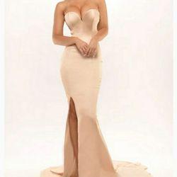 Portia & Scarlett Nude Size 0 Sweetheart Wedding Guest Mermaid Dress on Queenly