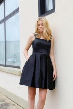 Sherri Hill Black Size 6 Tall Height Cocktail Dress on Queenly