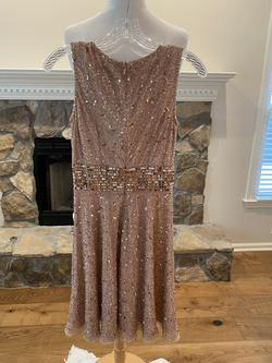 Gold Size 2 Cocktail Dress on Queenly