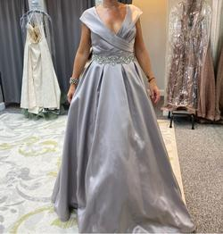 Jovani Silver Size 8 Prom Belt Ball gown on Queenly