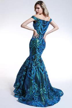 Style 35754 Ava Presley Green Size 6 Prom Mermaid Dress on Queenly