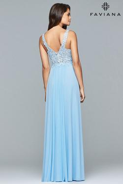 Style 8000 Faviana Blue Size 10 Wedding Guest Bridesmaid Straight Dress on Queenly