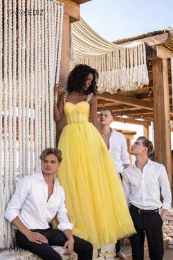 Style 50619 Tarik Ediz Yellow Size 6 Quinceanera Tulle Sweetheart Tall Height Ball gown on Queenly