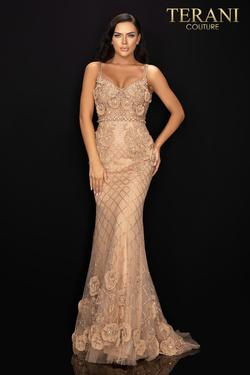 Style 2011GL2216 Terani Couture Gold Size 6 Pageant Mermaid Dress on Queenly