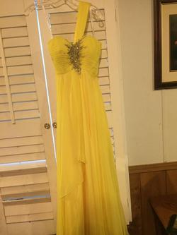 Night Moves Yellow Size 2 Prom Straight Dress on Queenly