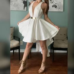Jessica Angel White Size 0 Party V Neck Cocktail Dress on Queenly