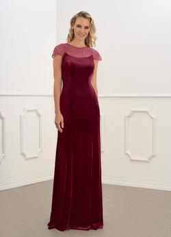 Azazie Red Size 6 Velvet Burgundy Straight Dress on Queenly