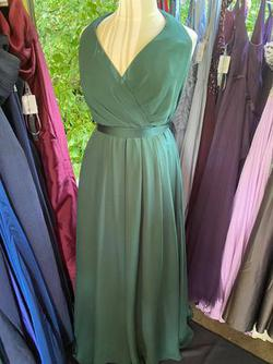 Vera Wang Green Size 20 Halter Wedding Guest Bridesmaid A-line Dress on Queenly