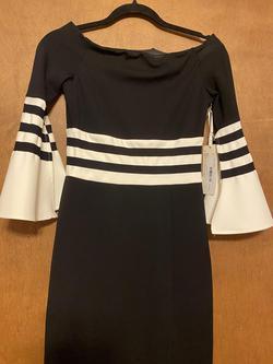 La Pateau Black Size 2 Short Height Side slit Dress on Queenly
