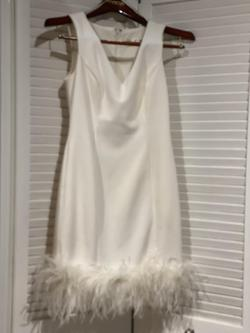 Eliza J White Size 4 Feather Nightclub Feathers Cocktail Dress on Queenly