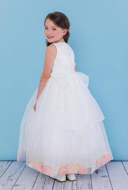 Style 5102 Mary's White Size 00 Silk Ball gown on Queenly