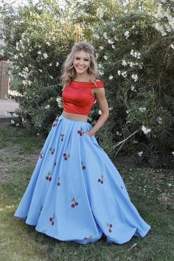 Sherri Hill Blue Size 2 Two Piece Train Dress on Queenly