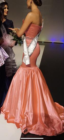 Sherri Hill Light Pink Size 4 Fitted Jersey Mermaid Dress on Queenly