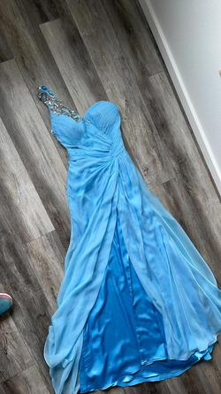 Tony Bowls Blue Size 4 Pageant A-line Dress on Queenly