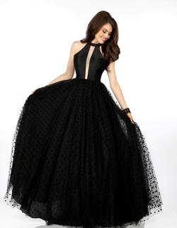 Style 18118 Envious Couture Black Size 8 Silk Pageant Ball gown on Queenly
