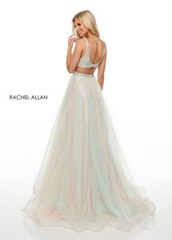 Style 7015 Rachel Allan Green Size 6 V Neck Ball gown on Queenly
