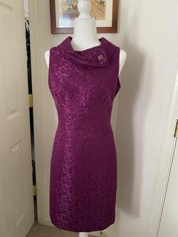 Tahari Purple Size 8 Straight Lace Cocktail Dress on Queenly