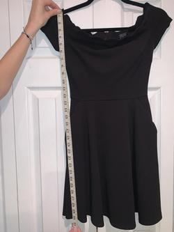 B. Darlin Black Size 2 Cocktail Dress on Queenly