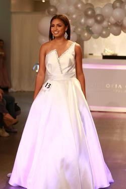 Jovani White Size 6 Silver V Neck Wedding Ball gown on Queenly