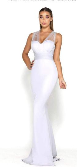 Portia and Scarlett White Size 2 Straight Dress on Queenly
