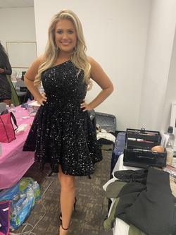 Tiffany Designs Black Size 8 One Shoulder Jewelled Cocktail Dress on Queenly