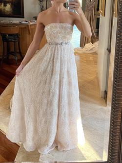 Adrianna Papell White Size 2 Ball gown on Queenly