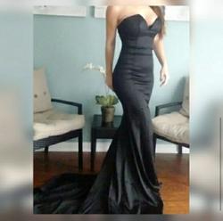 Portia & Scarlett Black Size 2 Jersey Mermaid Dress on Queenly
