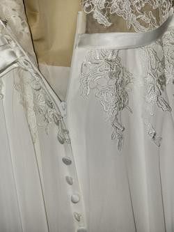 White Size 20 Ball gown on Queenly