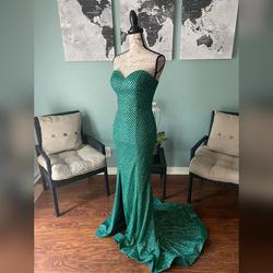 Portia & Scarlett Green Size 0 Shiny Train Dress on Queenly