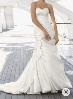 Davids Bridal White Size 10 Feather Mermaid Dress on Queenly
