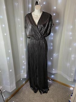 Silver Size 6 Jumpsuit Dress on Queenly