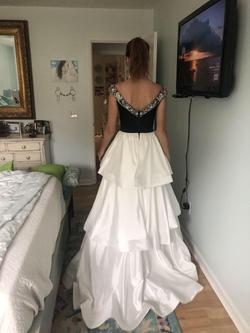 Sherri Hill White Size 0 A-line Dress on Queenly