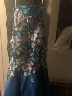 Ellie Wilde Blue Size 6 Mermaid Dress on Queenly