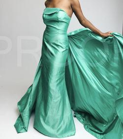 Alyce Paris Green Size 4 Strapless Overskirt Ball gown on Queenly