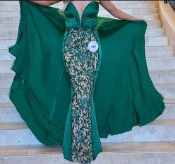Sherri Hill Green Size 2 Emerald Plunge Train Dress on Queenly