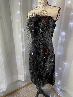 Black Size 4 Cocktail Dress on Queenly
