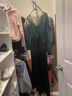 Tadashi shoji Black Size 8 Sheer Tulle Straight Dress on Queenly