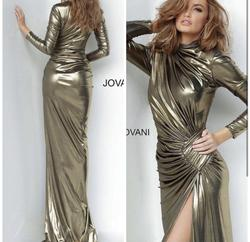 Jovani Gold Size 0 Bridesmaid Fitted Cocktail Dress on Queenly
