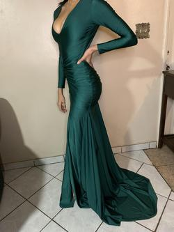 Michael Costello Green Size 4 Keyhole Fitted Train A-line Dress on Queenly