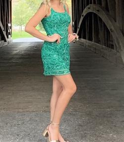 Sherri Hill Green Size 2 Emerald Homecoming Cocktail Dress on Queenly